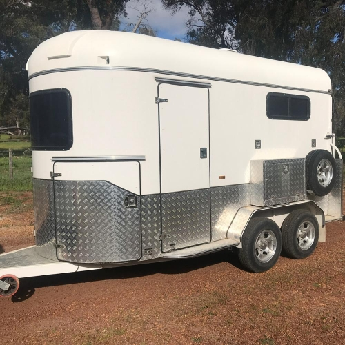 2 horse straight load trailer deluxe model for warm blood horse